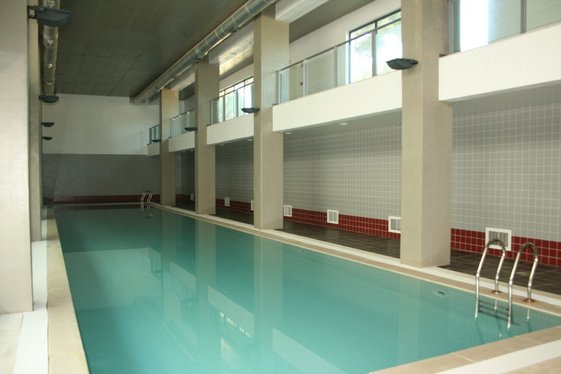 Apartments with covered swimming pool in Vilamoura