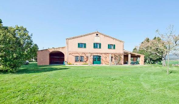 Farmhouse in the Costa Brava