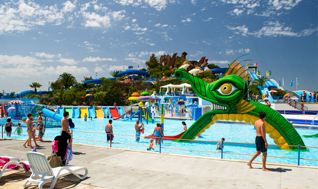 Water Parks in the Algarve: Slide and splash